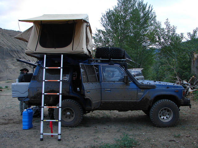 Vanlife in the Jeep Grand Cherokee