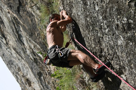 How to Avoid and Manage Getting Pumped While Rock Climbing